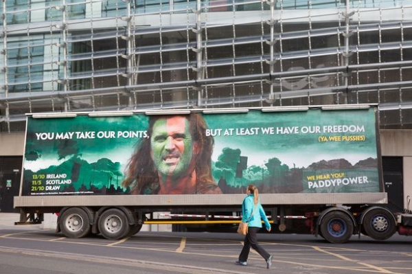 Roy Keane drags Paddy Power to court over 'Braveheart' advert