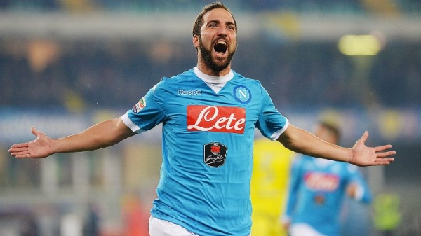 Star striker Gonzalo Higuain joins Juventus from Napoli for record £75.3m